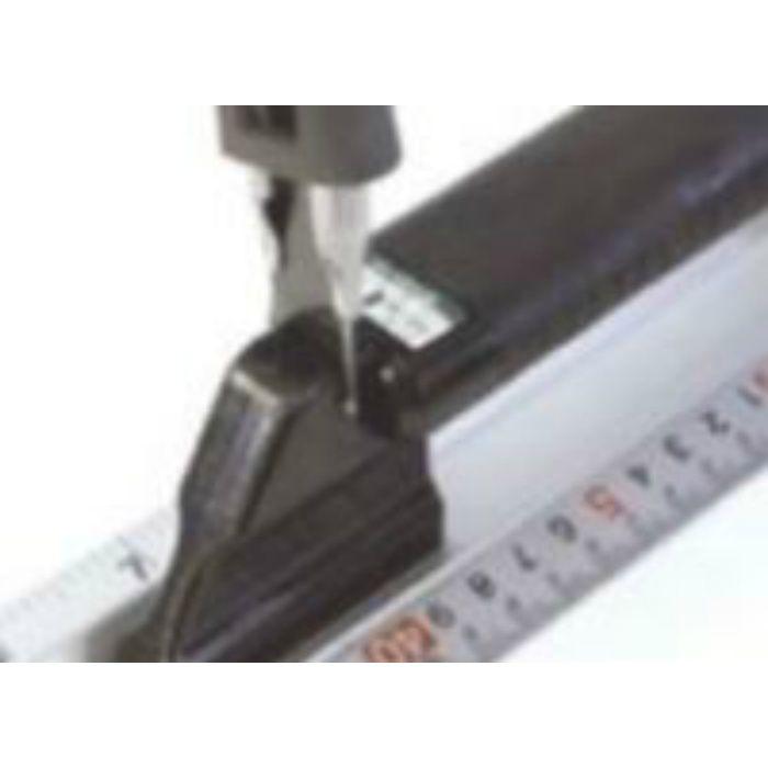 定規 快段目盛アルミカットスケールハンドル付 630mm 63-3046